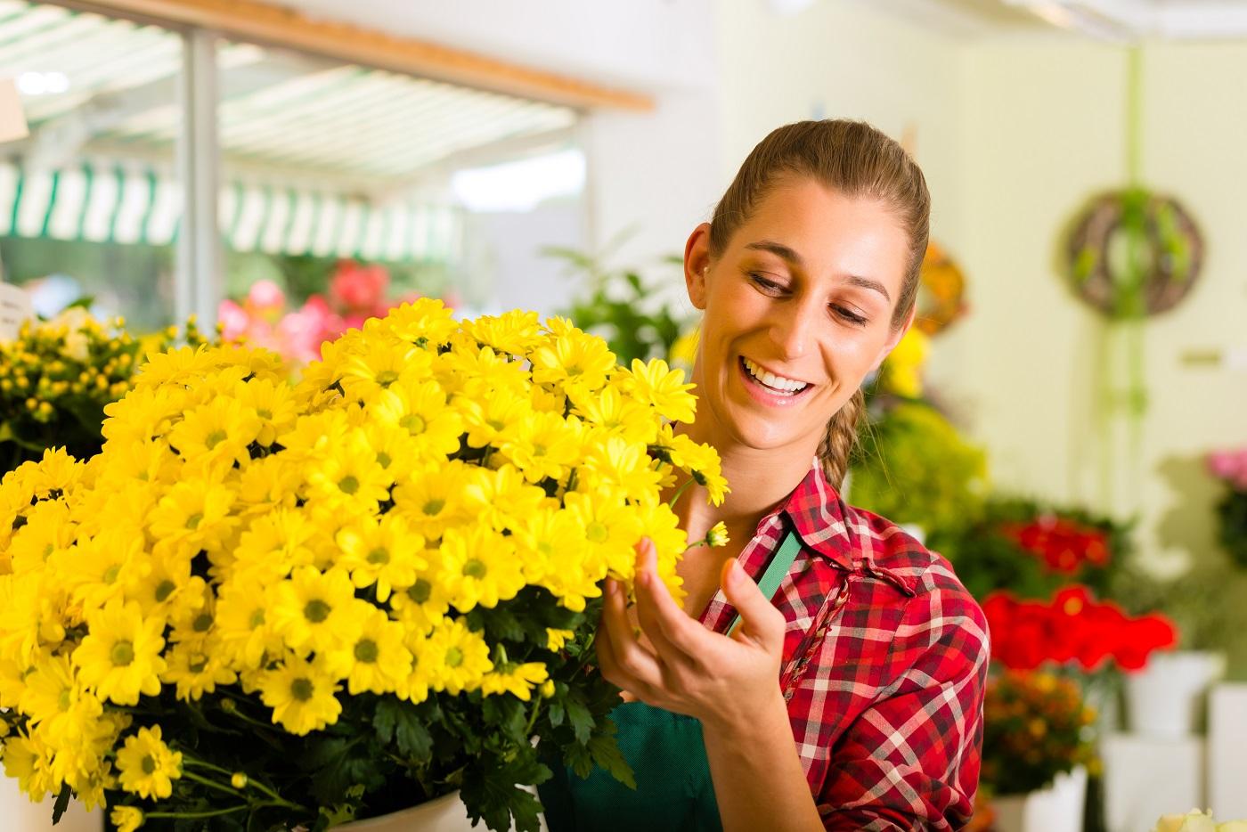 Секс в магазине цветов, Красивый секс продавца с клиенткой в магазине 8 фотография