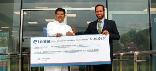 Entel hace entrega de cheque con 64,556 soles recaudados en la Teletón 2015