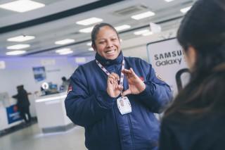 Entel capacita a sus agentes de seguridad en lengua de señas peruanas